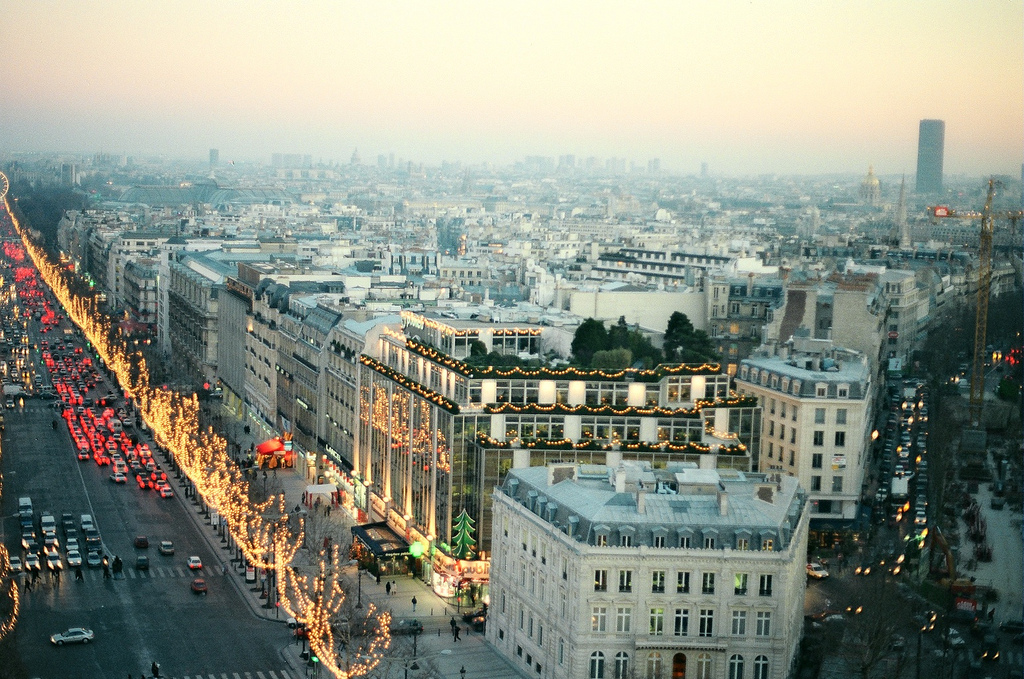 Paris Streets in Christmas - photo by retrovizion